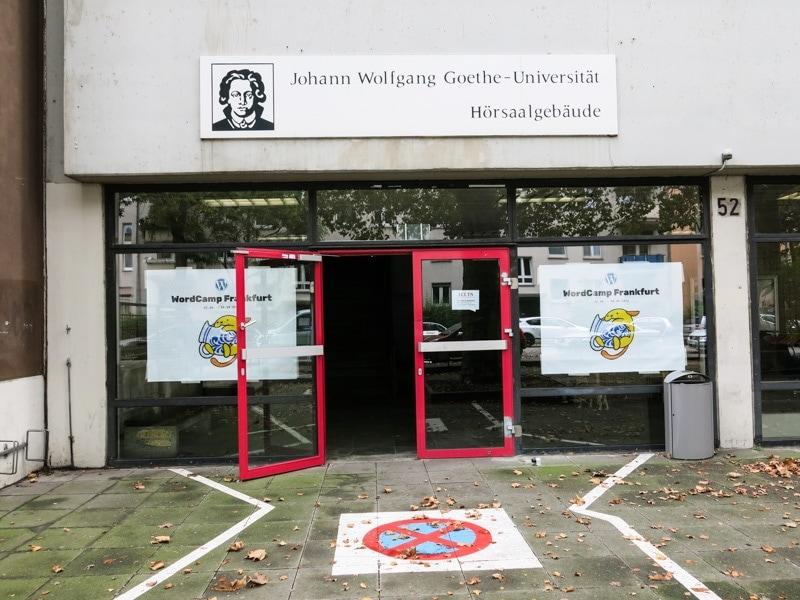 Uni Frankfurt Eingang zum wcFRA